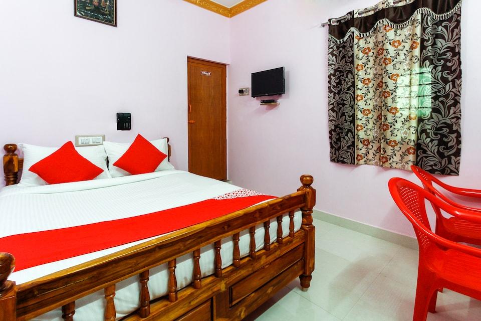 OYO 68950 Dat Sri Nandhiswar Residency