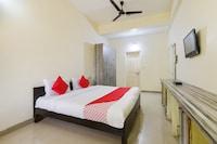 OYO 69021 Radha Madhav Palace