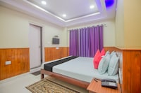 Capital O 69026 Mohpal Residency Deluxe