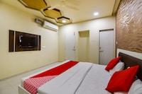 OYO 69067 Jagmohan Hotel