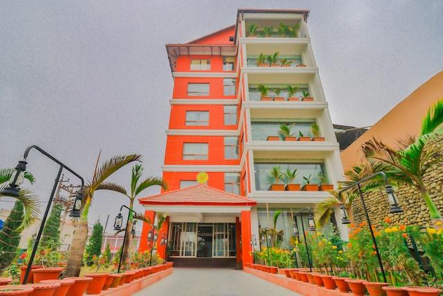 Capital O 753 Ratna Hotel
