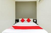 OYO 69156 Hotel Ashirwad