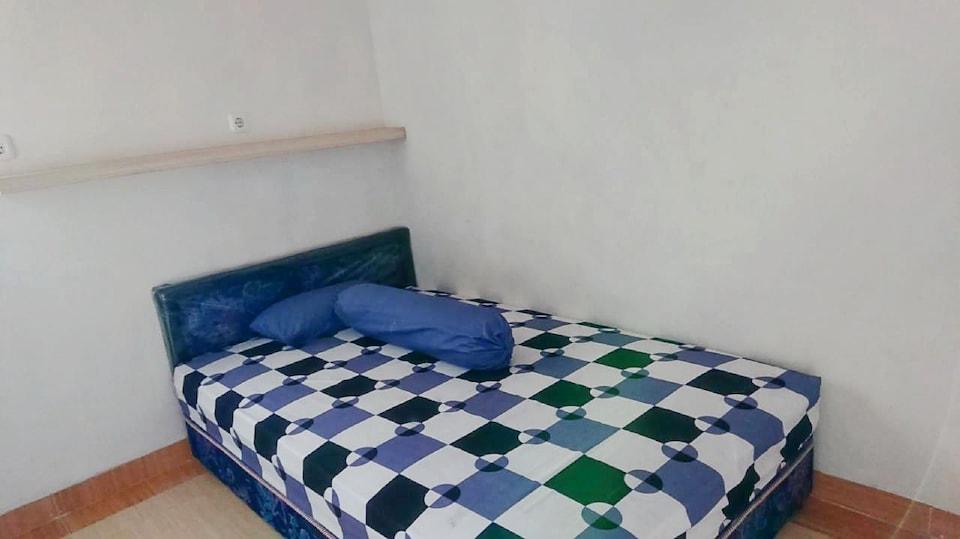 OYO Life 2839 Jovi House Malang