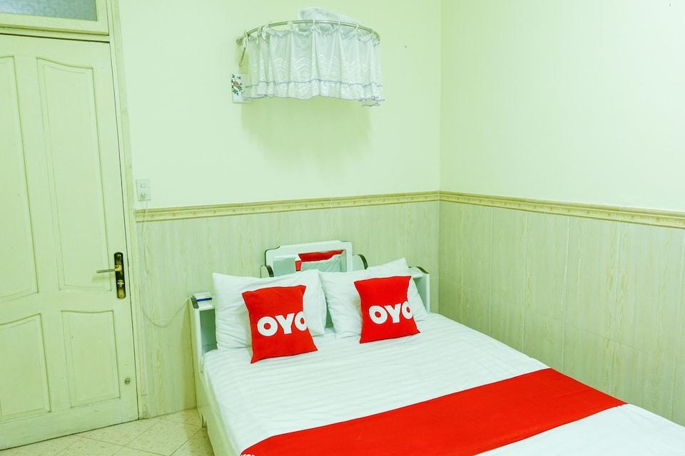 OYO 827 Bach Duong Hotel