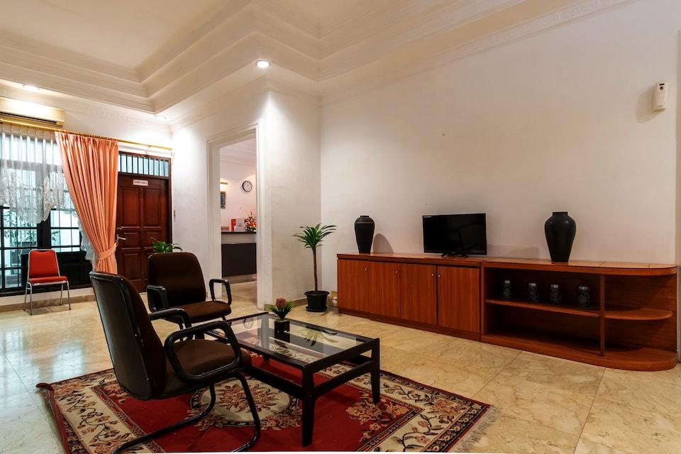 OYO Life 2843 Raz House Syariah, Medan, Medan