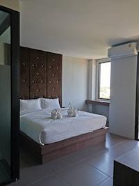 Yamin Seaview Hotel