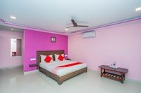 OYO 5683 Sri Sai Suites Saver