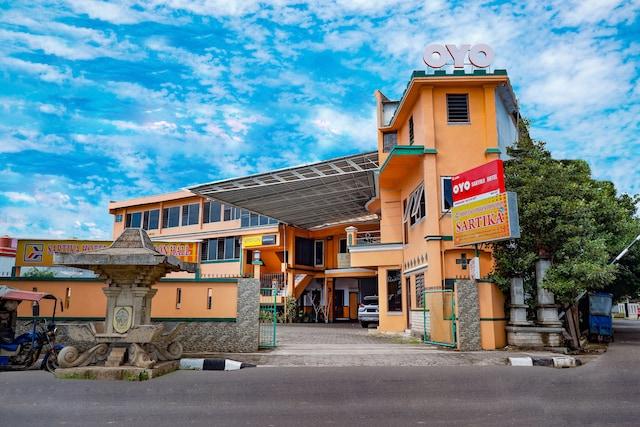 OYO 2855 Sartika Hotel Pati