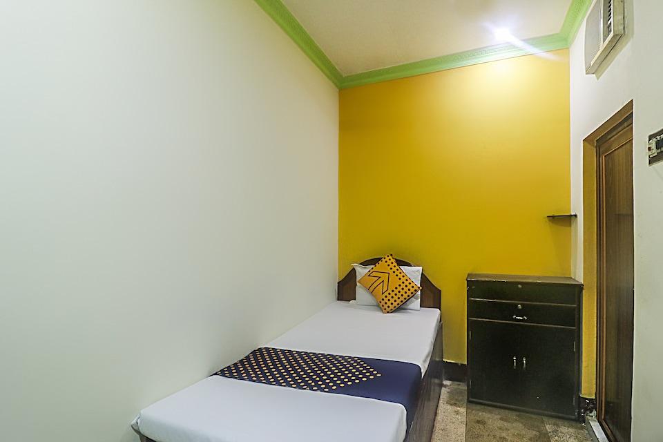 SPOT ON 69285 R.s.bhavan Tourist Lodge