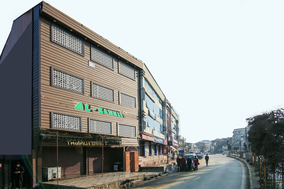 OYO 69289 Hotel Alsamad, Dalgate Srinagar, Srinagar