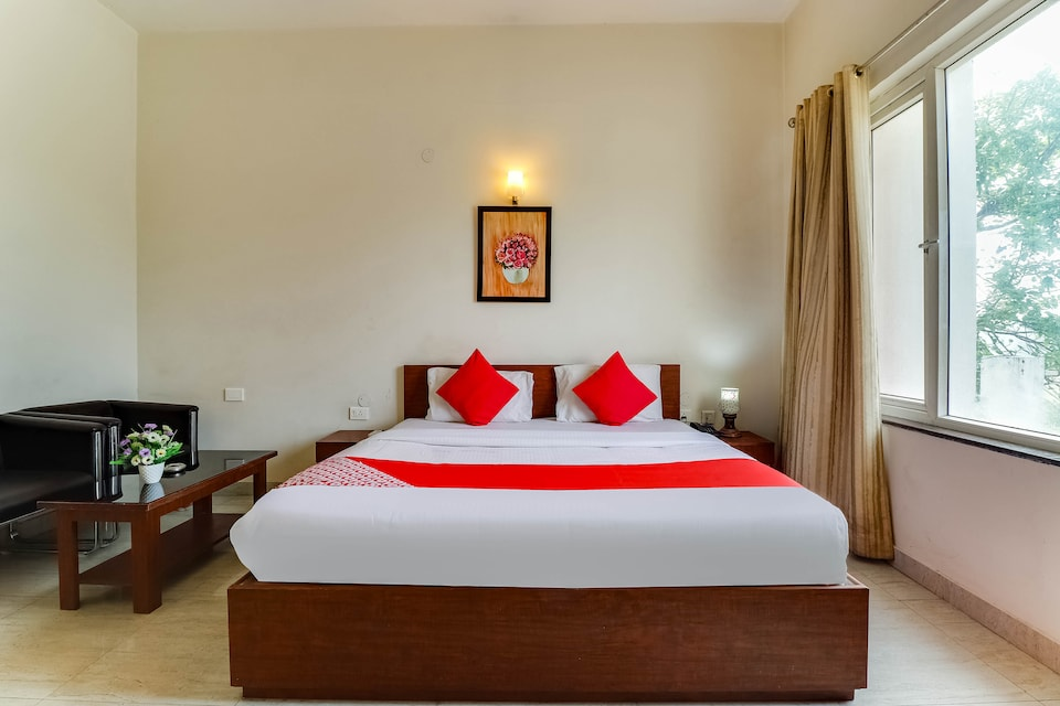 OYO 69305 Blue Orchid Resorts