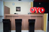 OYO 2886 Her Mandiri Guest House