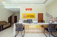 OYO 89839 Riaz Hotel