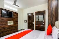 OYO 69375 Shree Residency Deluxe