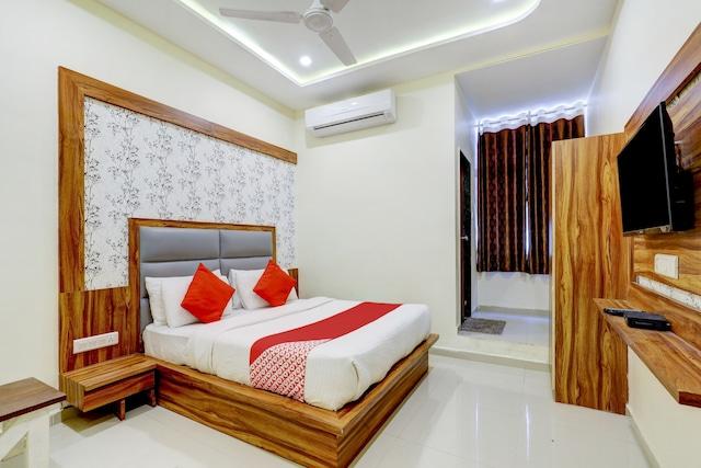 OYO 69381 Hotel Ganesh Inn