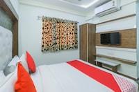 OYO 69382 Hotel Galaxy Inn Deluxe