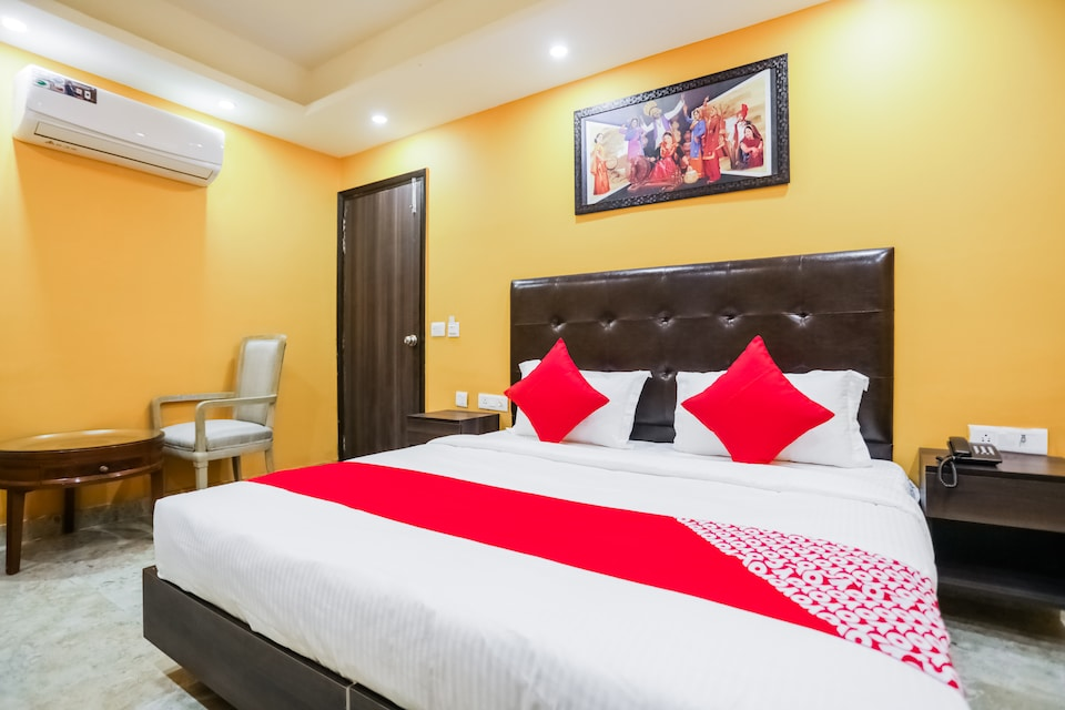 OYO 69392 Hotel Taj Home Stay