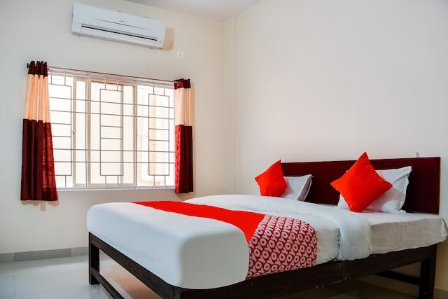 OYO 69403 Shiv Sai Palace