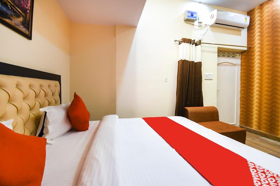OYO 69429 Hotel Vimal Residency