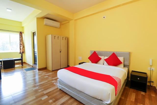 OYO 69489 Ayodhya Lodge
