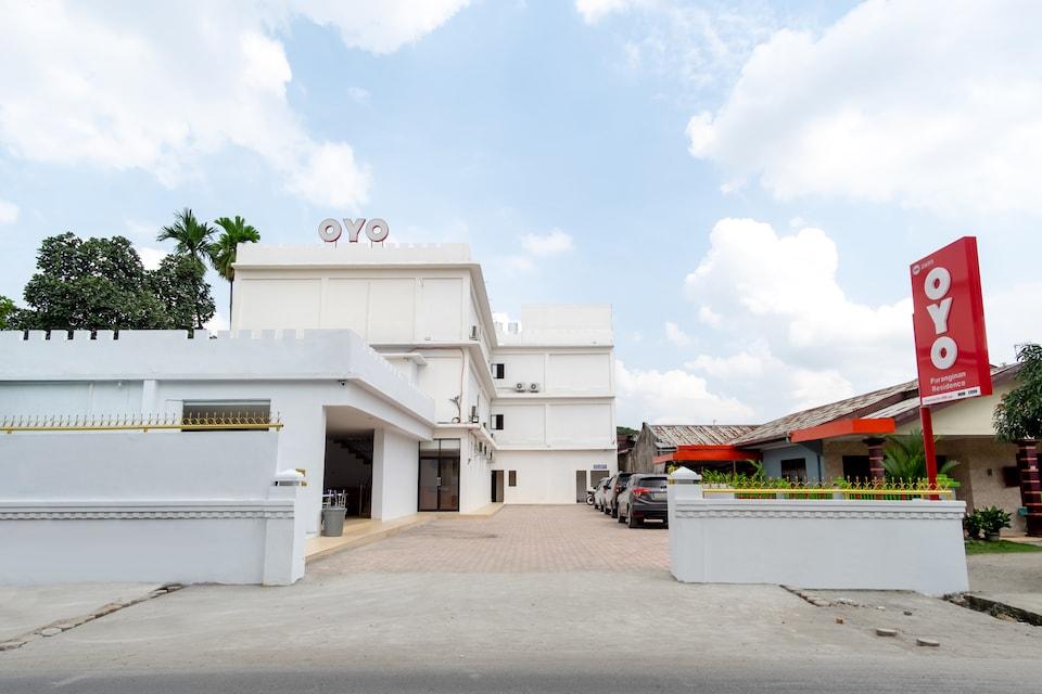 OYO 2895 Paranginan Residence