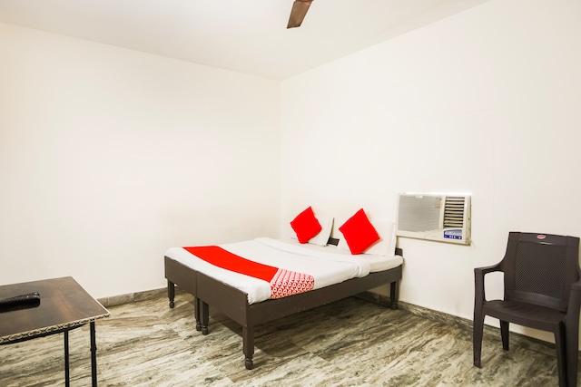 OYO 69526 Smart Inn