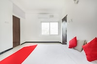 OYO 69557 Varna Residency Deluxe