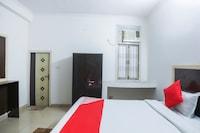 OYO 69572 Hotel Raj