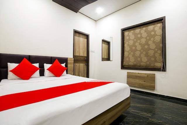 OYO 69701 Hotel Vedanta Inn