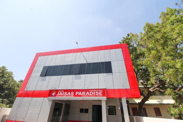 Capital O 69742 Hotel Jaisas Paradise