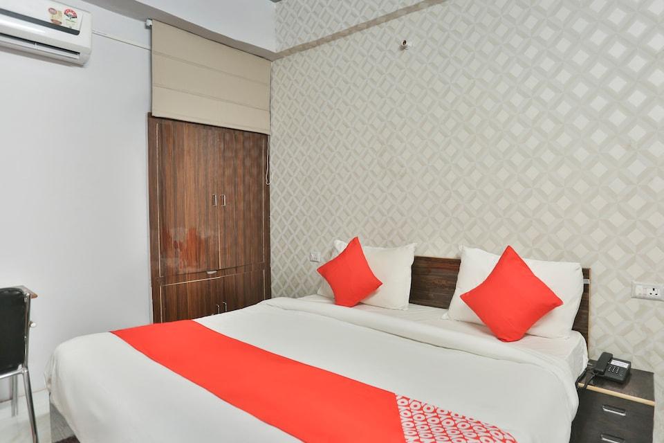 OYO 69772 Hotel Rbs