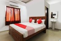 OYO 69782 Hotel Dhakshyani