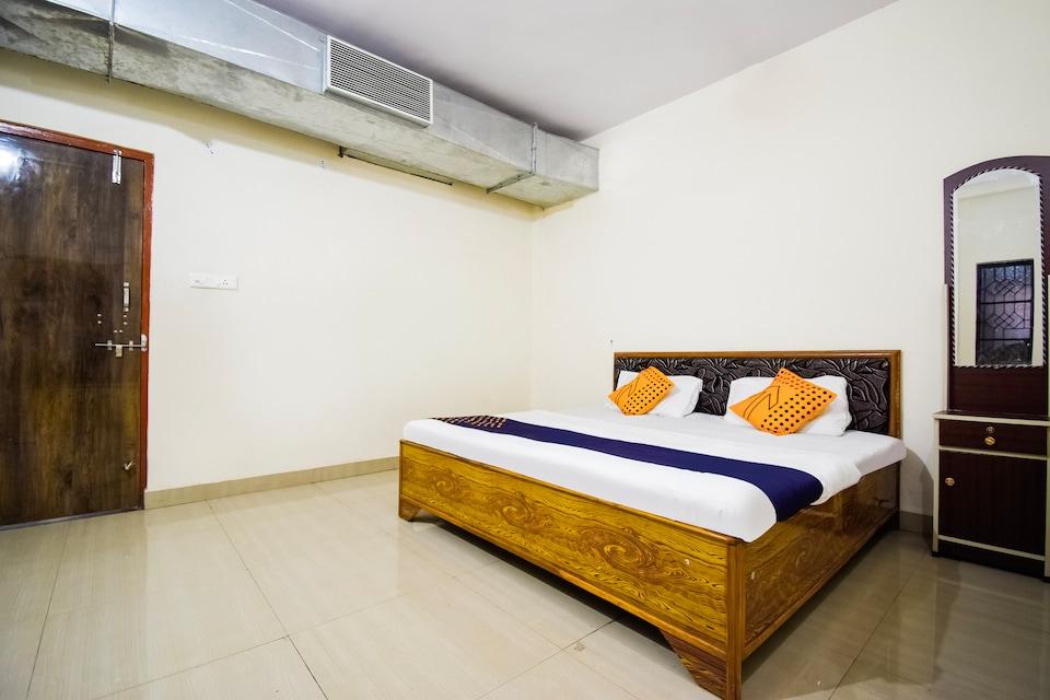 OYO 69787 Pathak Guest House