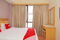 OYO 89866 Houz Inn