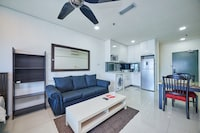 OYO Home 89867 Homey 1br Summer Suites