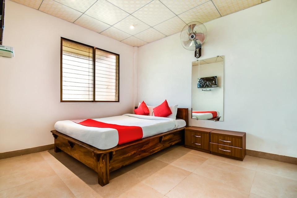 OYO 69823 Hotel Status Inn