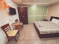 OYO 901 Vinh Phu Hotel