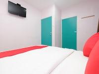 OYO 89877 Sun Triang Hotel
