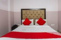 OYO 69875 Hotel Cross 24