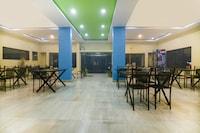 OYO 69876 Hotel Raj Lodging NON