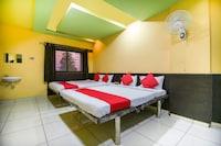 OYO 69876 Hotel Raj Lodging