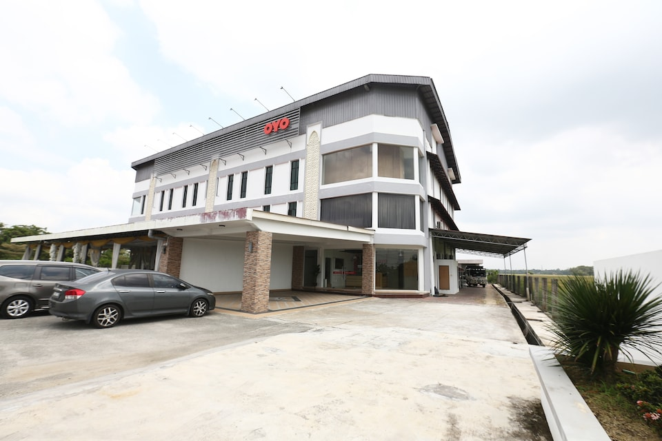 OYO 89888 Dz Residence Guest House