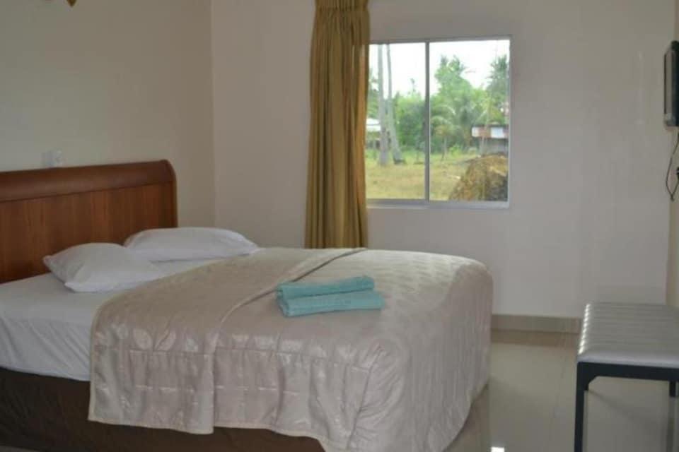 OYO 89890 Mila Motel 2