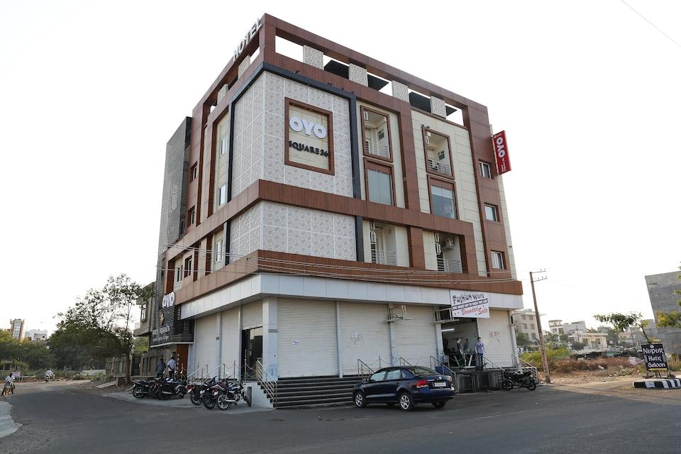 Capital O 5758 Hotel Square 36