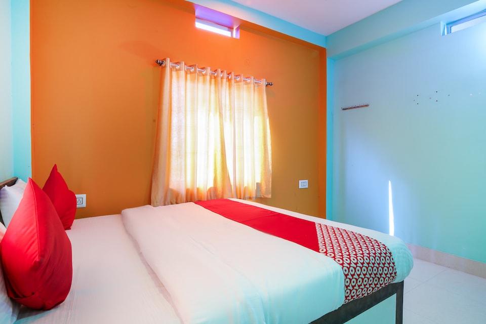OYO 69950 Hotel Maha Vihar