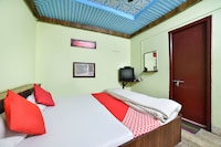 OYO 70015 Hotel Chandralok Deluxe