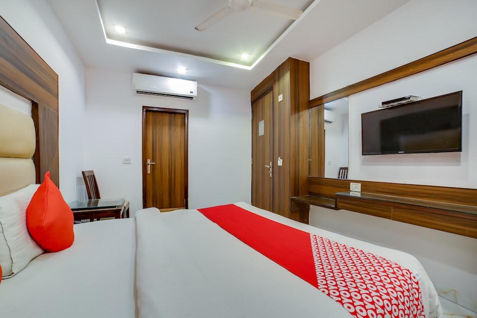 OYO 70019 Hotel Bhartia Guest House