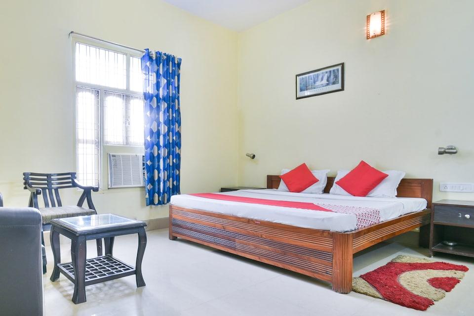 OYO 70036 Hotel Greenview