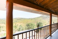 OYO 70076 Sam Valley Homestay Suite