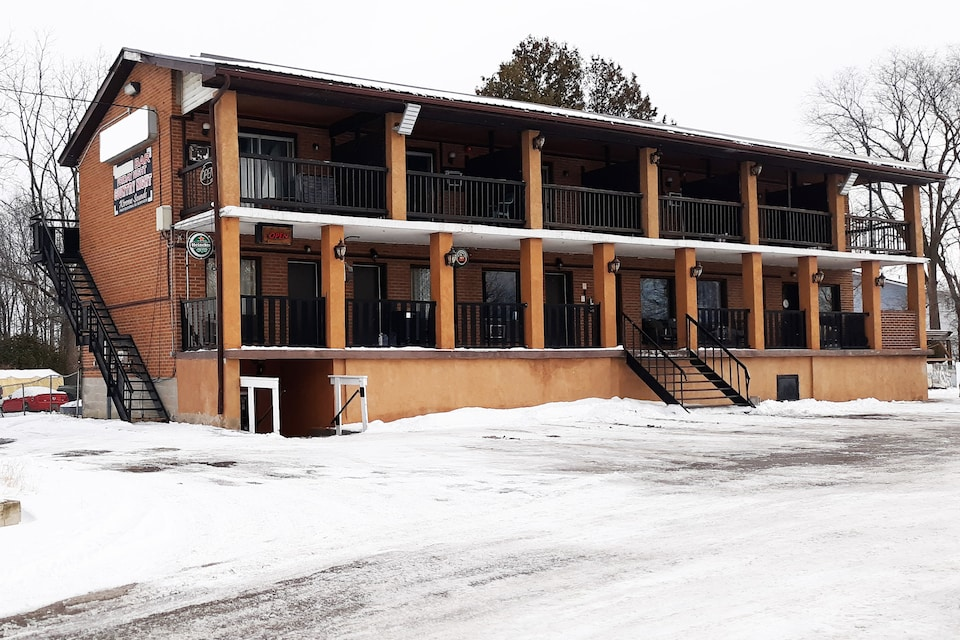 Hotel Beaverton ON - Lake Simcoe